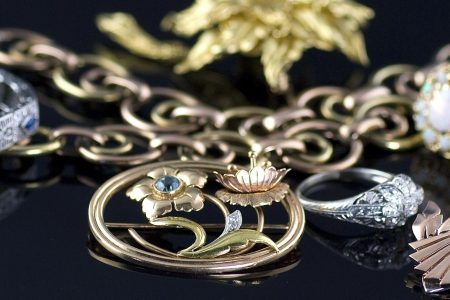 jewellers-guide-to-buy-vintage-jewellery